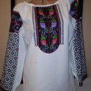 Борщевская вышитая рубашка с цветами фото