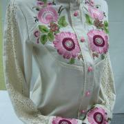 """Елегантна жіноча вишиванка """"Рожеві  квіти"""" фото"""