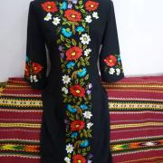 """Жіноча сукня вишиванка """"Квітковий вінок"""" фото"""
