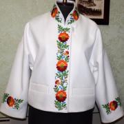 Класичний жакет білого кольору з вишивкою фото