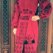 """Украинское длинное платье с вышивкой """"Зажигалка"""" фото"""