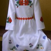 Детское платье с вышивкой фото