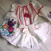 Женская вышиванка  с кружевом под заказ