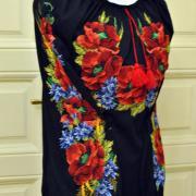 """Женская вышиванка на черном шифоне """"Букет цветов"""" фото"""