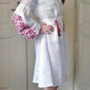"""Украинское платье вышиванка с розами на льне """"Бордо"""" фото"""