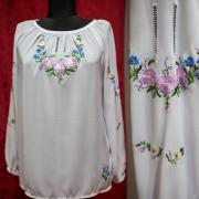 """Женская вышиванка """"Нежный цветочек"""" фото"""