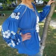 Женская вышитая туника небесно голубая купить