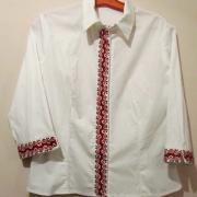 Вишита хрестиком жіноча сорочка
