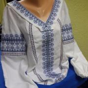 Вишита жіноча блузка лід фото