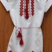 Детское легкое платьице ручной вышивки фото