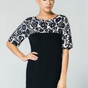 Женское платье с цветочным принтом черное фото