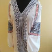Вышитая женская блузка Весенний разлив фото