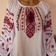 Женская вышиванка на шифоне с красной вышивкой