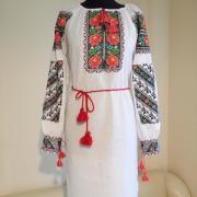"""Вышитое женское платье в украинском стиле """"Розовый цвет"""" фото"""