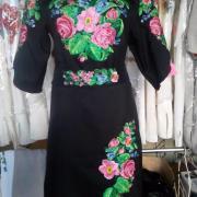 """Жіноча вишита сукня """" Рожеві квіти"""" купити"""