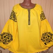 Ярко желтая женская вышиванка в бохо стиле фото