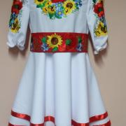 """Дтское вышитое платье для девочки """"Подсолнухи и маки"""" фото"""