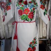 """Женское вышитое платье """"Цветочное поле"""" фото"""