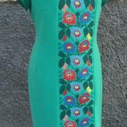 Нежное зеленое платье с вышивкой Нежность фото