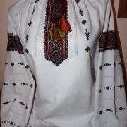Жіноча вшиванка низинкою на домотканому полотні