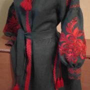 Вишукана вишита сукня Королева під замовлення