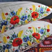 Наволочка с вышивкой для подушки цветочное поле фото