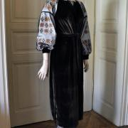 """Коричневое женское вышитое платье бохо на велюре """"Кая"""" фото"""