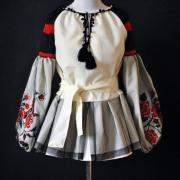 """Вишита жіноча блуза """"Троянди з баскою"""" фото"""