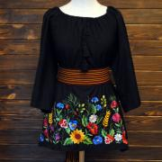 """Уникальная женская вышитая блузка """"Цветочное поле"""" фото"""