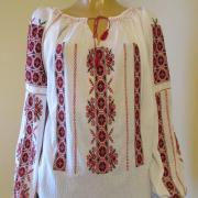 """Женская вышитая блузка на маркизете """"Любовь"""" фото"""