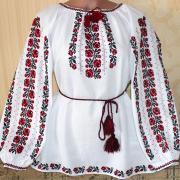 """ФотоЖенская вышиванка """"Красные ружечки"""""""