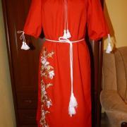 """Вышитое женское платье """"Красный фурор"""" фото"""