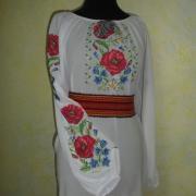 Украинская нарядная вышиванка с полевыми маками