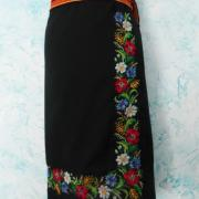 Українська чорна спідниця з квітами