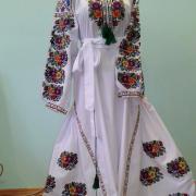 """Белое платье вышиванка """"Борщевская идилия"""" фото Крестик Киев"""