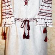 Вишите жіноче плаття на льоні