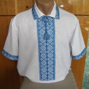 Біла з блакитним візерунком чоловіча вишиванка фото