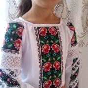 """Детская вышиванка """"Борщевские розы"""" фото Крестик Киев"""