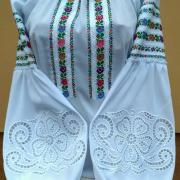 """Женская вышиванка  бохо с ришелье """"Азалия"""" фото"""
