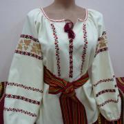 """Украинская женская вышиванка """"Нежные мотивы цветов"""" фото"""