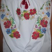Цветочная вышиванка для девочки
