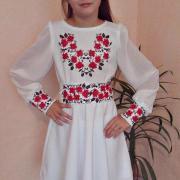 Детское вышитое платье нежные розочки фото