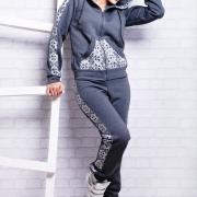 Теплый женский украинский спорткостюм