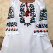 Женская блузка с вышивкой Цветочная фото