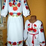 """Парні вишиті сукні для мами та доньки """"Ранкові маки"""" фото"""