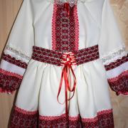 Украинский костюм с вышивкой для девочки
