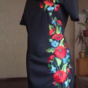"""Черное классическое вышитое платье """"Маки и васельки"""" фото Крестик"""