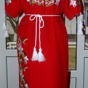 """Вышитое платье в украинском стиле """"Аромат лилий"""" фото"""
