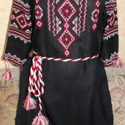 Українське чорне плаття з вишивкою