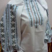 """Біла жіноча вишиванка ручної роботи """"Росава"""" фото"""